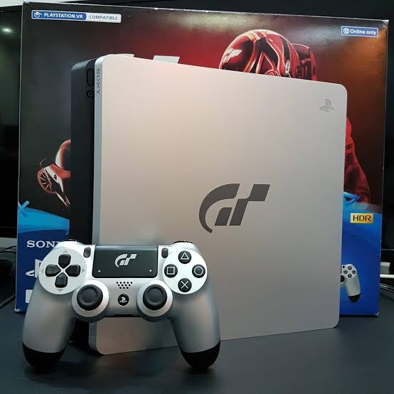 SONY PLAYSTATION® 4 PS4 JAILBREAK 5.05 VERSION SLIM MODEL (GT Sports LIMITED EDITION) 1TB BOX PACKED (BRAND NEW) 25 INSTALLED GAMES